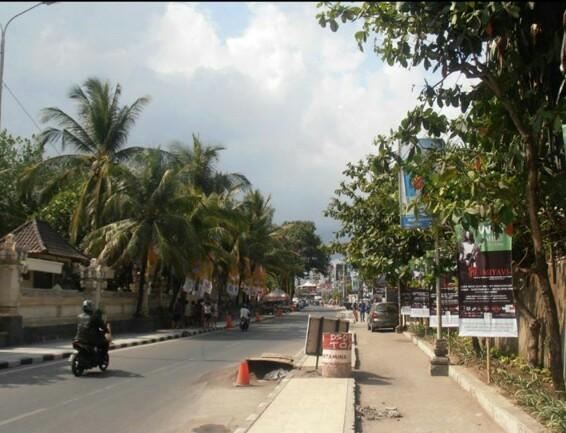 Nice street view in Kuta, Bali x